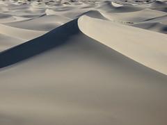 Sand Dunes, Death Valley (KJD2007) Tags: dune crescent deathvalley sanddune barchan the4elements