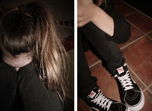vans sk8 hi on feet girls
