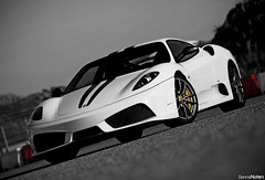 430 Scuderia. (Denniske) Tags: park sun white holland netherlands field club digital canon eos is dof image bokeh 04 nederland ferrari 01 09 coloring april l 28 mm nl dennis blanche circuit wit weiss bianco 70200 2009 scuderia depth zandvoort f28 ef colouring f430 selective 430 bwcolor avus the owners noten scud foc carspotting stabilizer bwcolour cpz llens stabilisation rijvaardigheidstraining rijvaardigheid 40d denniske dennisnoten