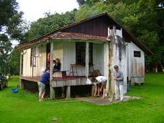 casinha ^^ (djavan candeia) Tags: summer oldhouse 2007 s800 hollydays caador