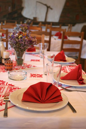 Russian Service Table Set Up http://cubic-consultors.com/or-russian-table-settings/