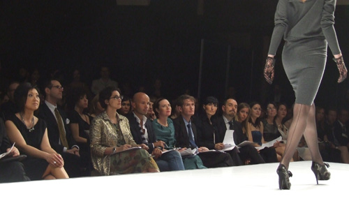 Susan Langdon and the judges watch Jody Leigh