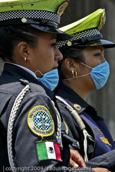 mujeres policías Cubre Bocas
