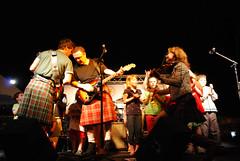 Rovers Parole Center 0088700 (thw05) Tags: people musician music irish children kilt jennifer band may bow microphone fiddle celtic instruments 2009 rovers stagelights raymurphy dublin5 jennifergarman garethoward jennbelle