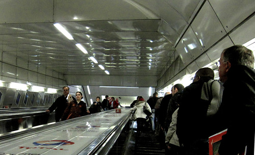 "London 143 • <a style=""font-size:0.8em;"" href=""http://www.flickr.com/photos/30735181@N00/3576978287/"" target=""_blank"">View on Flickr</a>"