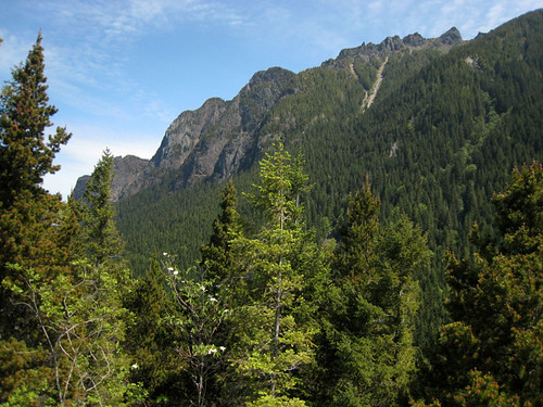 View of Mt Si from top of Little Si