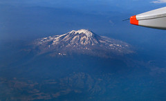 area Vancu 01 (Arquepoetica) Tags: sky volcano aerialview aerial cielo aire area windowseat volcan volcn aerea areo vistaarea desdeelaire