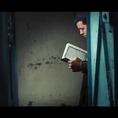 prayer and redemption (Ąиđч) Tags: africa portrait man andy reading book market andrea candid muslim prayer libro stranger andrew arabic read uomo study leggendo arab marocco marrakech souk serene marrakesh legge studying ritratto morocca koran sconosciuto studia arabo preghiera quoran benedetti corano studiando mussulmano 135mmf2 nikond90 artlibres serenito mercate ąиđч