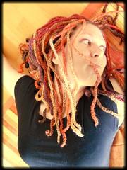 Red Wool Dreads (babukatorium) Tags: red orange brown lana dreadlocks purple handmade burgundy crochet violet blonde dread dreads rasta extensions fakehair croch uncinetto biondi fattoamano woolhair capellifinti  tii wooldread woolrovingdreads babukatorium