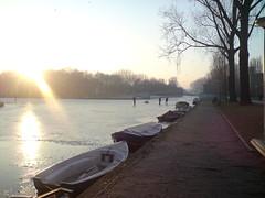 Erasmusgracht00schaatsers (Naomi Blindeman) Tags: grachten ijs schaatsers