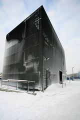 Monolith (Dr Max) Tags: snow london greenwich snowdrift snowstorm o2 5d monolith milleniumdome northgreenwich greenwichpeninsula bloodyhellididntseethatcoming