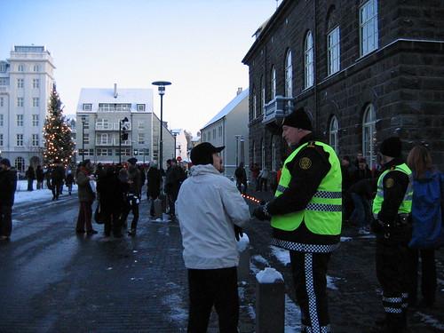 Demo foran Altinget