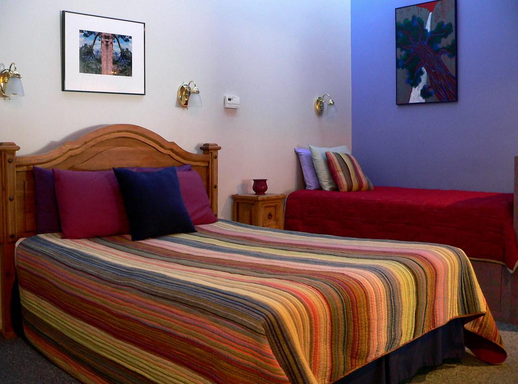 panorama-room-beds-yosemite-breakfast
