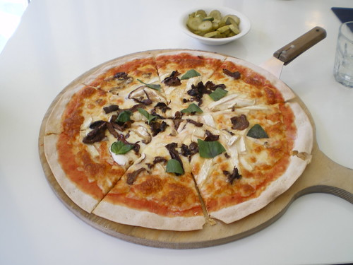 Paul Ajosshi: A Small Confession And An Organic Porcini Pizza