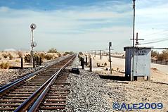the Amtrak tracks at the Glamis train stop (Ale*) Tags: california arizona usa train mexico sand desert dune tracks ale socal amtrak coloradoriver imperial southerncalifornia sanddunes yuma trainstop coloradodesert imperialcounty glamis algodonesdunes