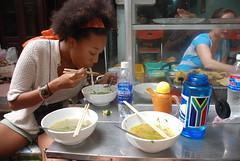 Tiye likes pho. (_ambrown) Tags: vietnam viet ha hanoi 2009 nam noi ihp d80 internationalhonorsprogram citiesinthe21stcentury