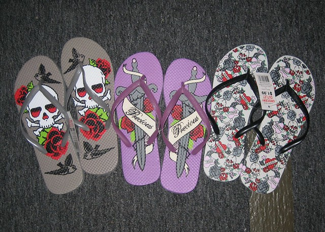 tattoo flip flops. the girlchild and i were out shopping and ran across