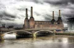 Battersea Power Station HDR 5 (bakermz) Tags: sky london station thames photoshop canon river power victoria battersea hdr embankment photomatix 450d