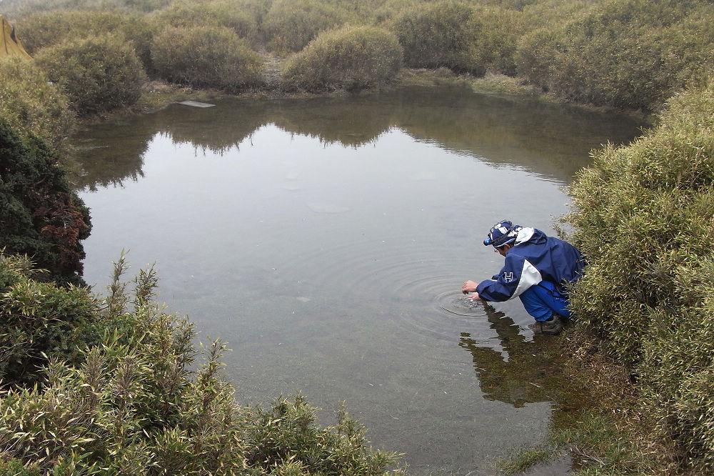 22-西稜下的小池塘