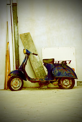 Vintage Vespa (Majorlight) Tags: life travel blue italy inspiration classic love beauty vintage living rust italia vespa antique character culture scooter appreciation sicily sicilia piaggio majorlight