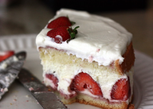 bavarian cream cake confessions of a tart strawberry bavarian cake and a trifle 1530