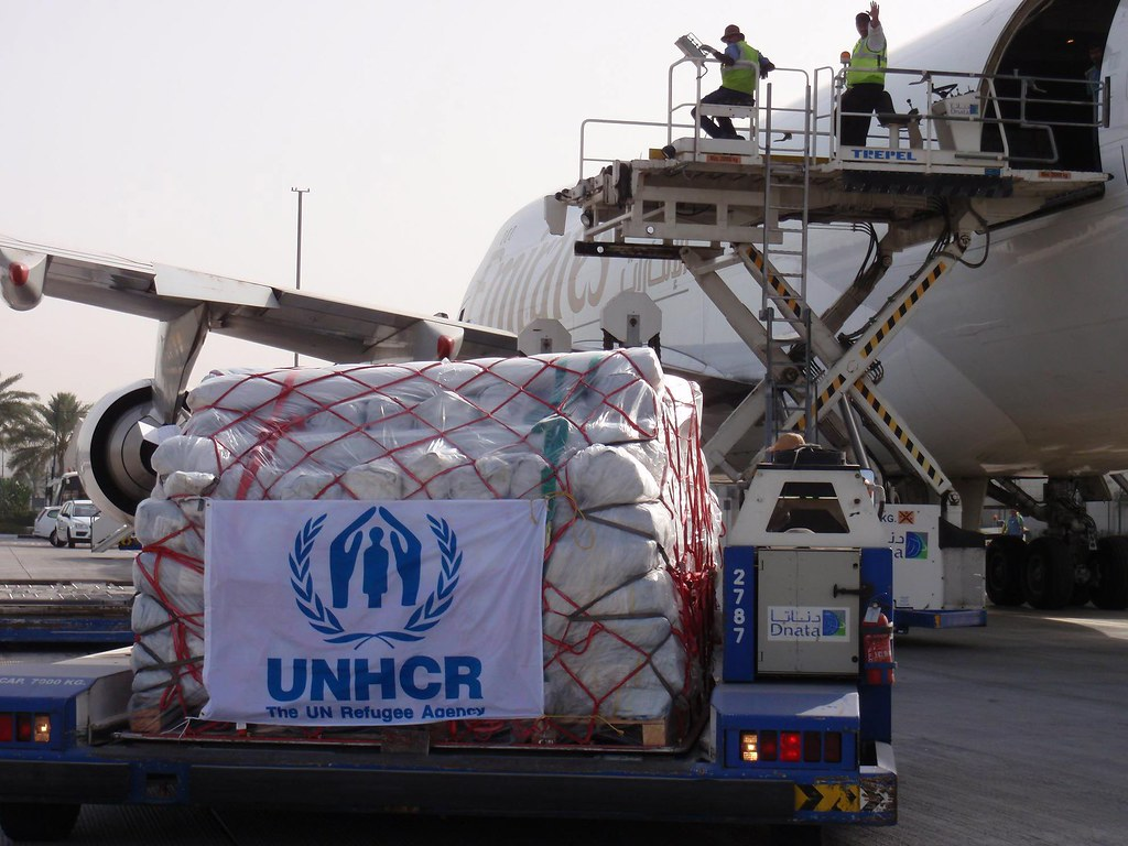 UNHCR airlift of emergency aid arrives in Pakistan as number of displaced passes 500,000