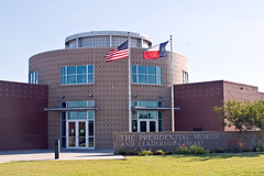 Presidential Museum and Leadership Library, Odessa, Texas (Pooua) Tags: celebrity texas tx georgewbush president georgebush odessa presidential georgehwbush