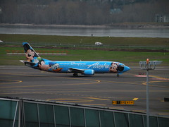 Alaska Disney Special Edition (Coop Photography) Tags: trees alaska oregon plane river portland airplane march airport disneyland jet columbia off disney special landing airbus take 17 pdx gorge 16 boeing 700 edition 800 2009 900 737 crj willimette