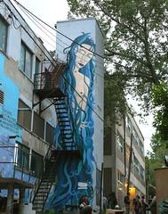 Fte  la ruelle (Clairette Paquette) Tags: blue montreal bleu murales alleys graffitis posie centresud ruelles franoisgourd