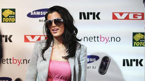 Tidligere pornoskuespiller Aylar Lie sier, jeg drømmer ikke om bryllup! thumbnail