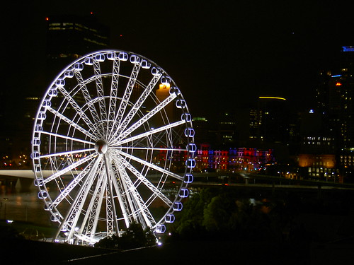 Big ferris wheel on the Brisbane River