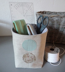 organizing... (Bloomsong em) Tags: linen dot organizer fabricbucket