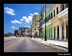 Malecon, Avana (Cuba) (Davide Cherubini) Tags: cuba malecon habana fuga blueribbonwinner cherubini avana mywinners citrit fugaprospettica dcherubini davidecherubini imagesforthelittelprince thebestofcengizsqueezeme2groups dopplr:explore=x081