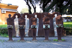 Prisoners, Roma (Laura Callan) Tags: trip italy sculpture holiday rome roma art metal architecture modern chains rust italia tourist chain installation shackles attraction prisoner chained shackled prisoners