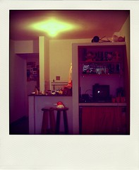poladroiding #3 (adelle.araujo) Tags: pictures door family friends light orange home window television casa bed laranja puff pic pillow fotos cama travesseiro abajour poladroid