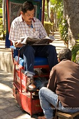 Plaza shoeshine (wycombiensian) Tags: street plaza cruise mexico vendor mazatlan shoeshine plazamachado