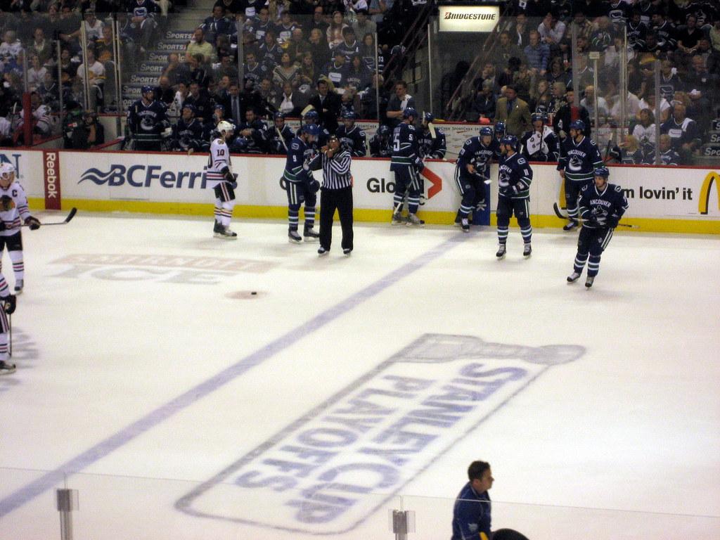 Game 5 Hockey Playoffs Canucks Chicago loss 05102009 38