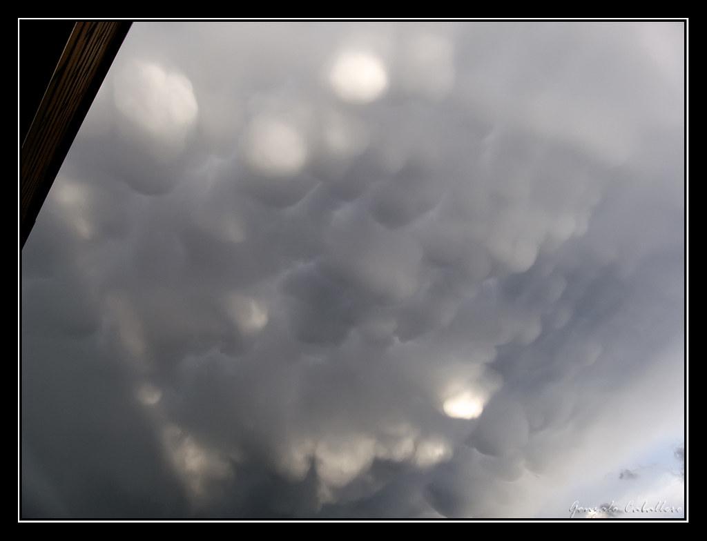 Mammatus tras la tormenta en Pamplona 11 may 2009