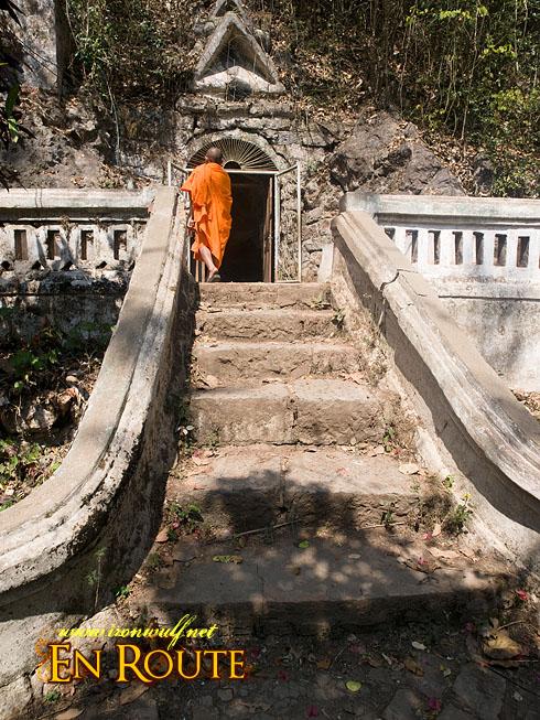 Wat Tham Xien maen