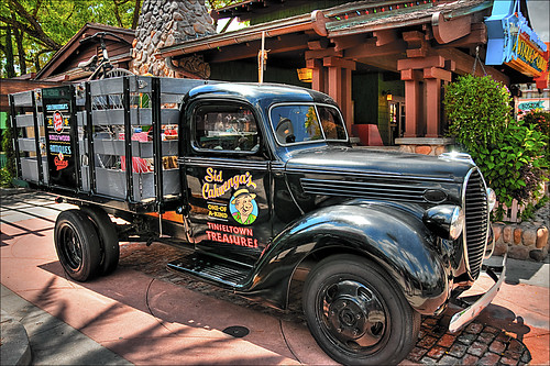 Vintage Car at Disney Studios