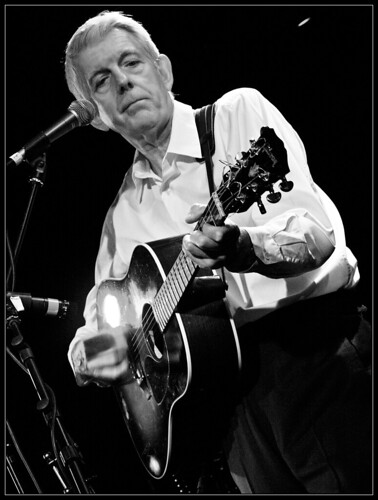 Nick Lowe - Holmfirth Picture Drome 21st May 2009