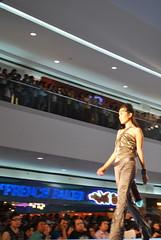 DSC_0092 (gigiv) Tags: philippines 2009 fashionweek mallofasia