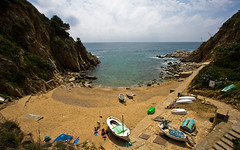 Tossa again (VoLGio) Tags: sea espaa costa beach canon eos mar spain mediterraneo playa catalonia girona catalunya brava costabrava province catalua 1022 tossa platja tossademar mediterranea espanya mediterrani 40d