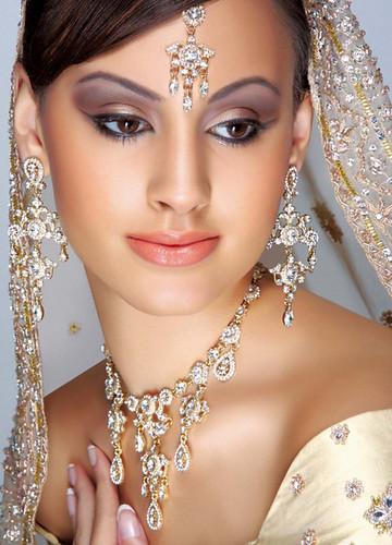 3617333301 ff79ce8424?v0 - Brides!