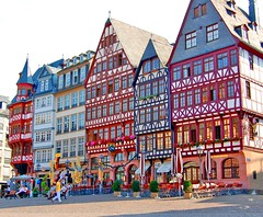 Historic Houses in Frankfurt, Germany (Tobi_2008) Tags: city building germany deutschland hessen frankfurt stadt allemagne gebude germania mywinners abigfave isawyoufirst