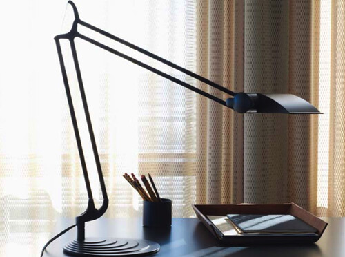 diffrient work light by humanscale