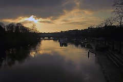 RIVER DEE AT SUNSET (ONETERRY. AKA TERRY KEARNEY) Tags: city trees people urban cats pets man art dogs weather birds animals gardens canon river boats squirrel europe flickr cops cheshire wildlife ships culture parks ducks explore chester rivers fields creatures 2010 parcs merseyside ellesmereport chehire cheshirepolice oneterry