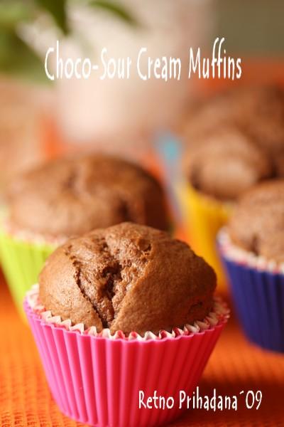 choco-sour cream muffins