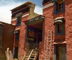 Inside the walls of Rongbuk (reurinkjan) Tags: 2002 nikon tibet everest rongbuk tingri jomolangma janreurink rongphuchu བོད། བོད་ལྗོངས།