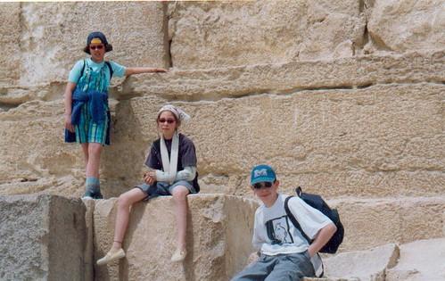 op de monumentale stenen